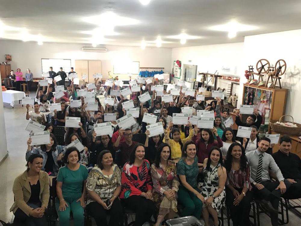 Imagem de Mais uma turma do Programa Jovem Trabalhador é certificada