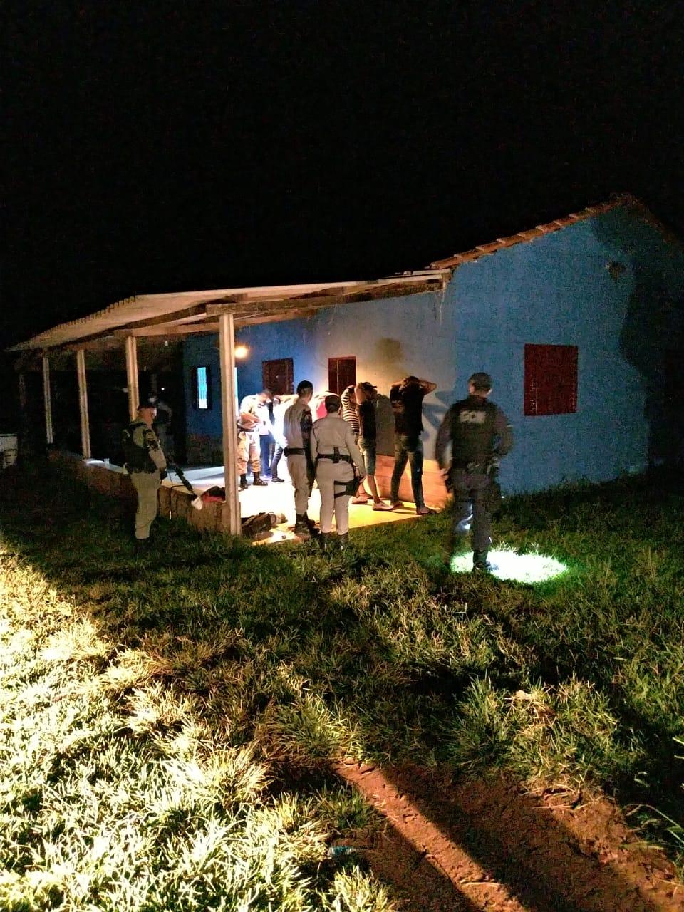 Imagem de Fiscalização interdita festas clandestinas em dois ranchos na madrugada