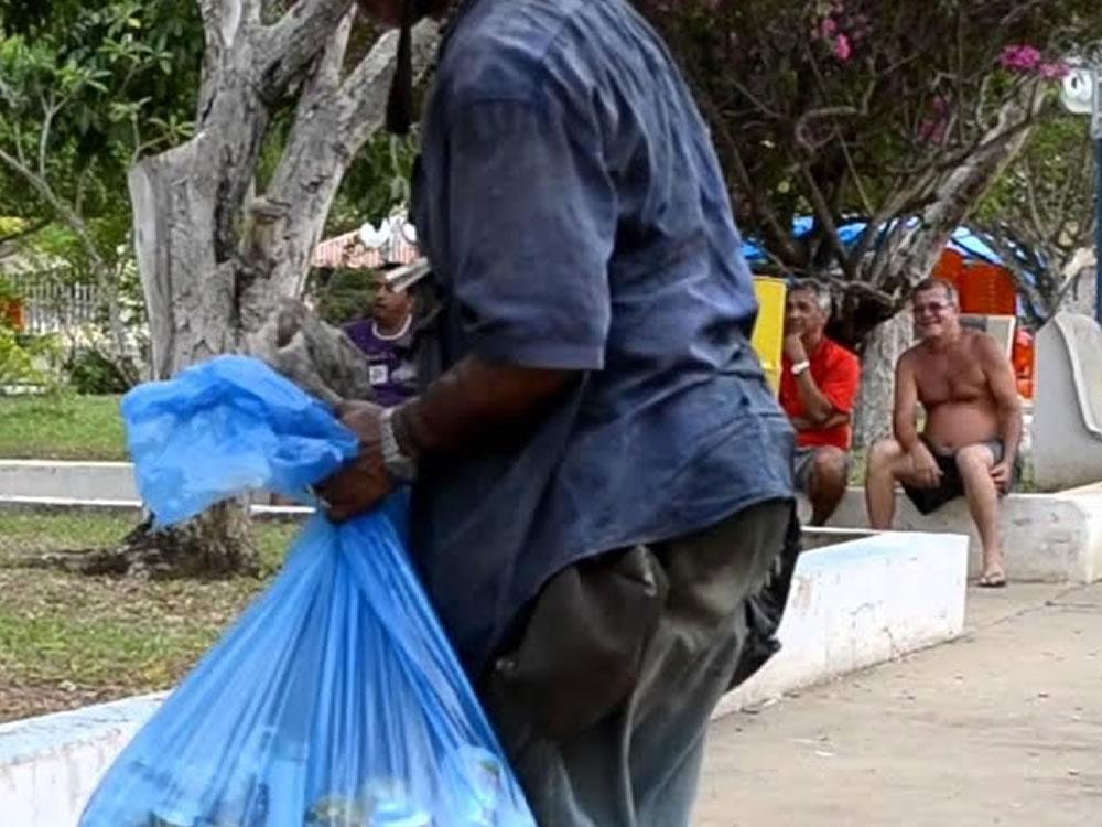 Imagem de Catador de latinhas furtado no Bairro Popular