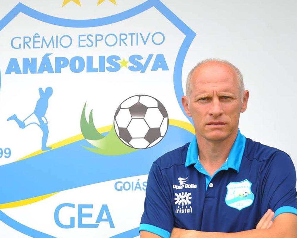Imagem de Sílvio Criciúma não é mais técnico do Grêmio Anápolis