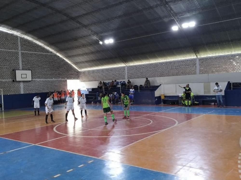 Imagem de Futsal feminino: Campestre bate Goiás-Universo