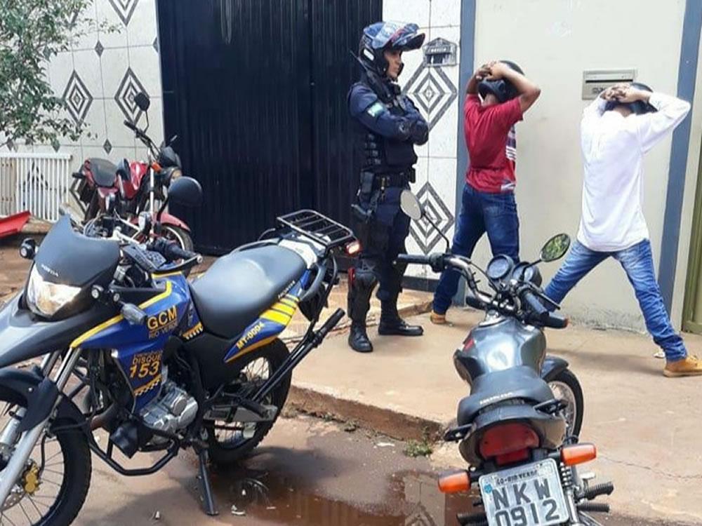 Imagem de GCM prende suspeitos de praticarem assaltos pela cidade