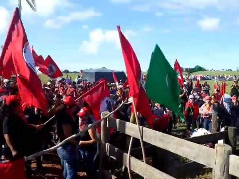 Imagem de Integrantes do MST ocupam fazenda de João de Deus em Goiás