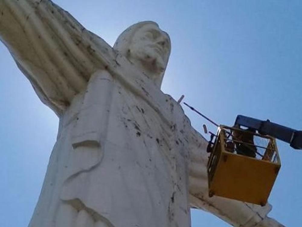 Imagem de Iniciada a restauração do Cristo Redentor em Rio Verde