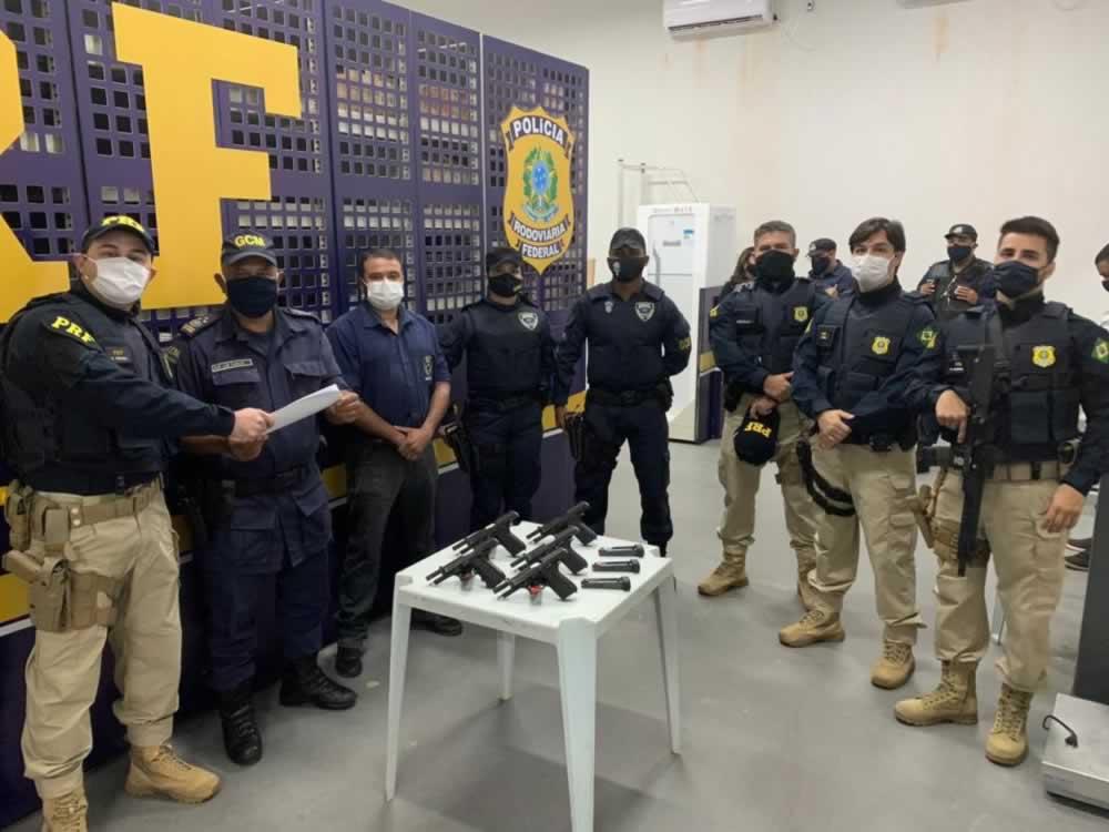 Imagem de Guarda Civil de Rio Verde recebe armas da Polícia Rodoviária Federal