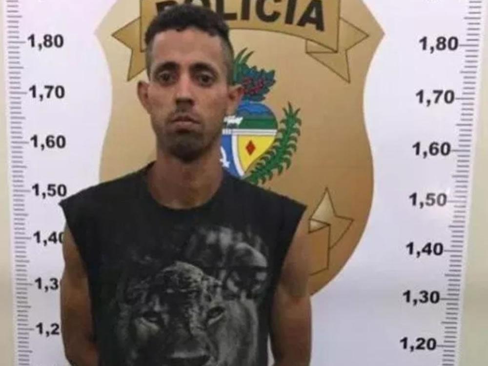 Imagem de Homem flagrado furtando loja no aniversário de Rio Verde é preso