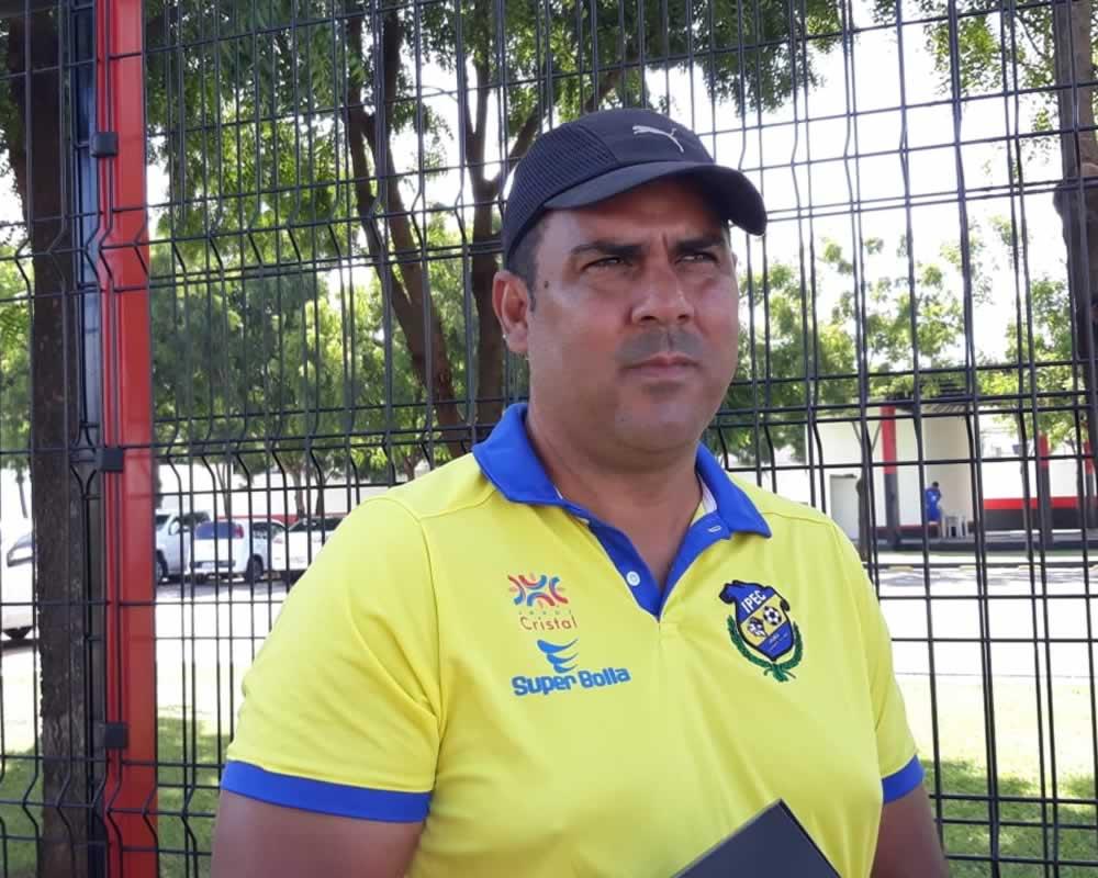 Imagem de Iporá anuncia saída de treinador