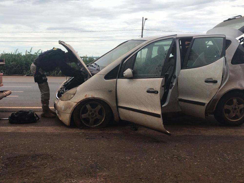 Imagem de Veículo guinchado é apreendido pela PRF com drogas, em Rio Verde