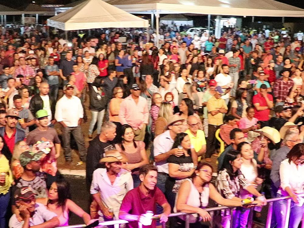 Imagem de Festa do Leite agitou distrito de Ouroana