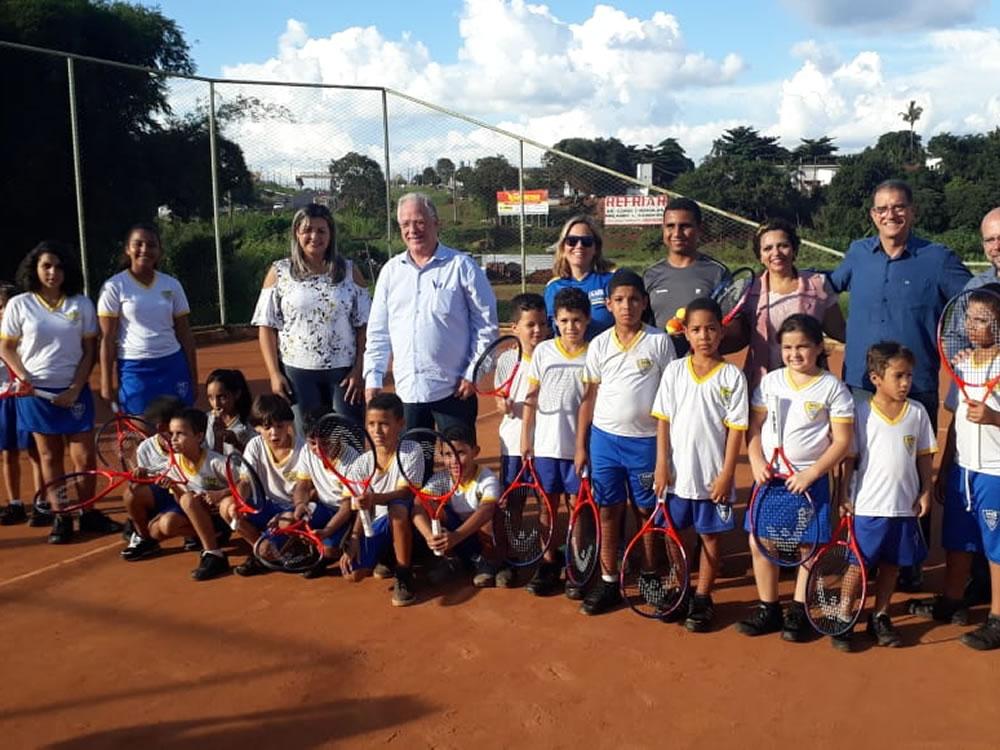 Imagem de AABB Comunidade oferece aulas de tênis