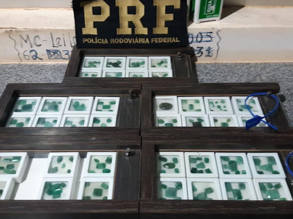 Imagem de Polícia apreende carga milionária de pedras preciosas em Rio Verde