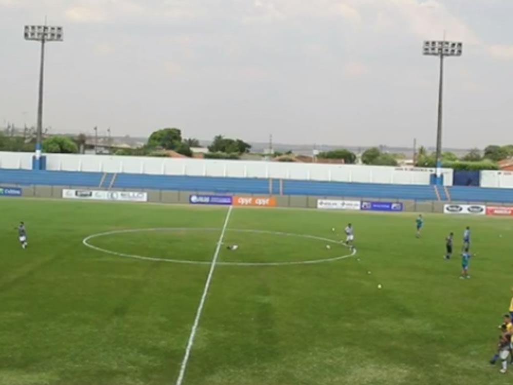Imagem de Goiatuba volta ao futebol profissional em grande estilo