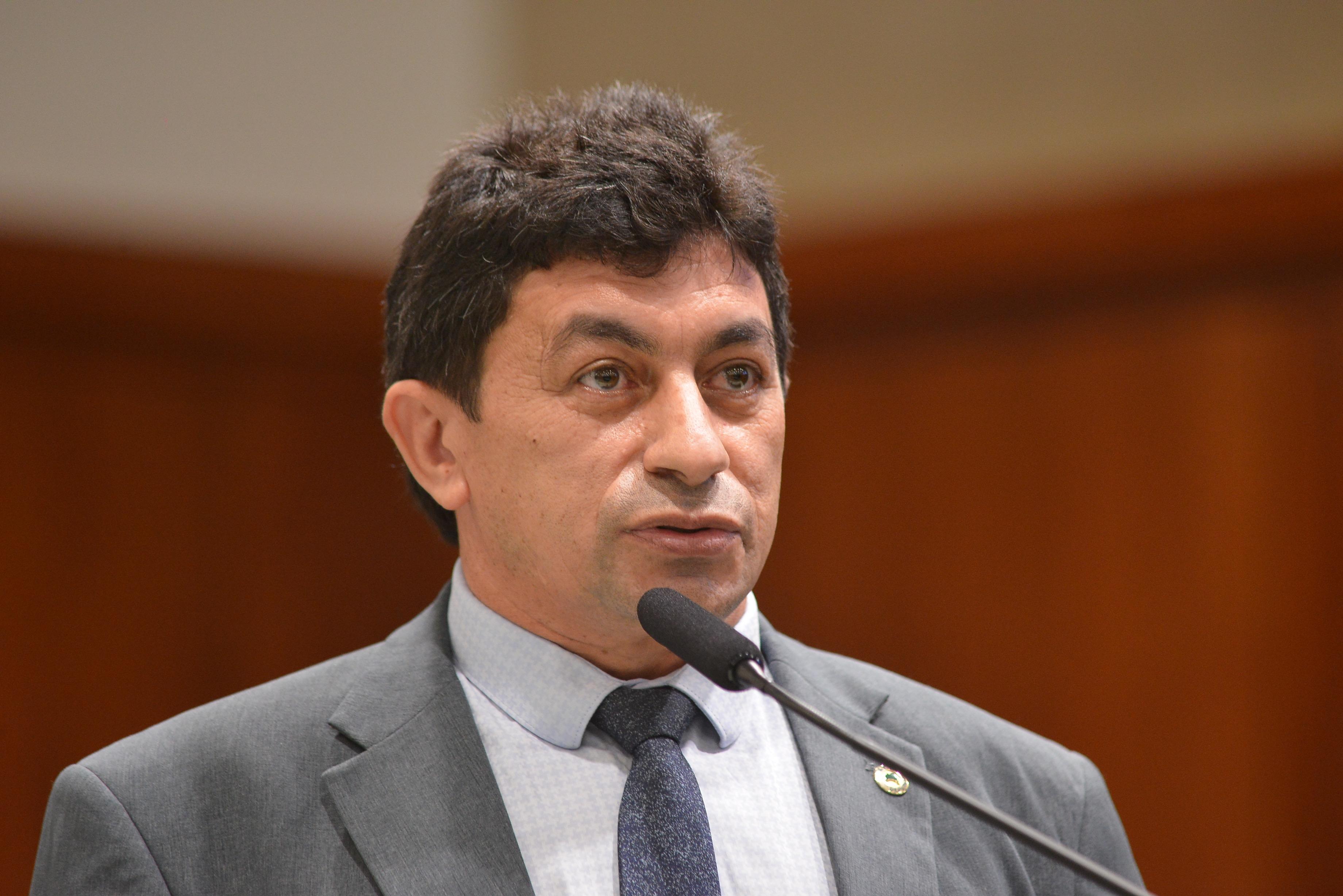 Imagem de Chico KGL cobra mais trabalho e menos palanque de parlamentares