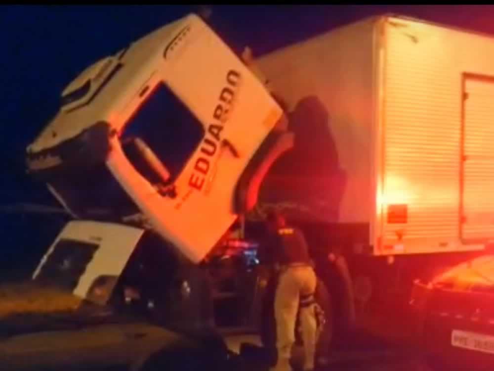 Imagem de PRF recupera veículo e apreende 'rebites' com motorista na BR-060, em Rio Verde