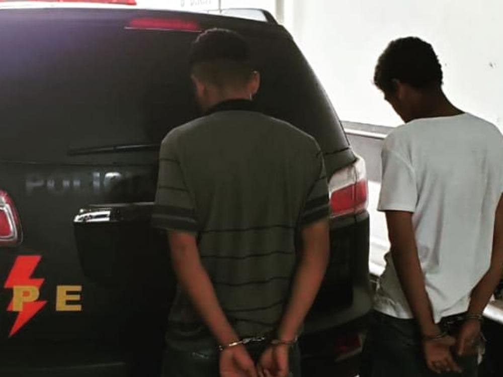 Imagem de Menores presos após roubo de celular
