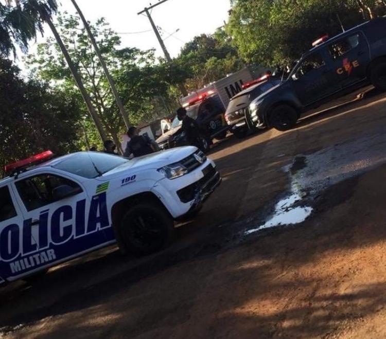 Imagem de HOMEM MORRE APÓS TROCA DE TIRO COM A POLÍCIA