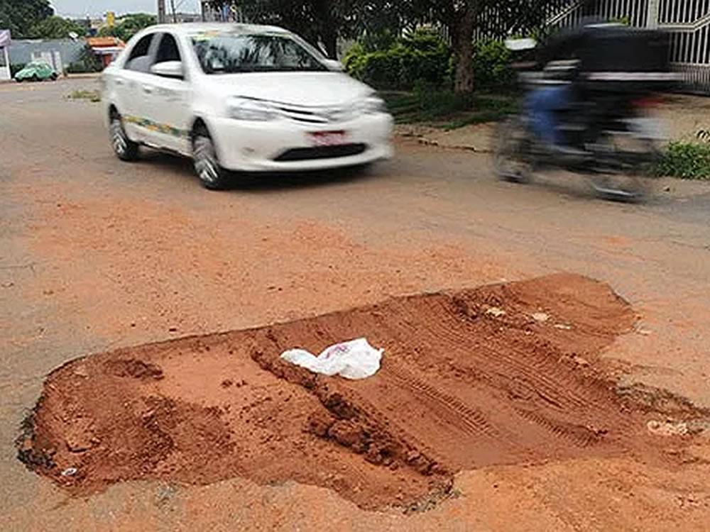 Imagem de Projeto prevê responsabilizar Saneago nos casos em que a empresa causar dano ao asfalto de vias públicas