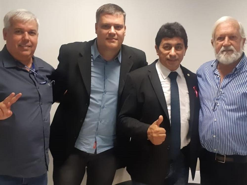 Imagem de Chico KGL prestigia posse de Alexandre Macedo como presidente da Agoprev
