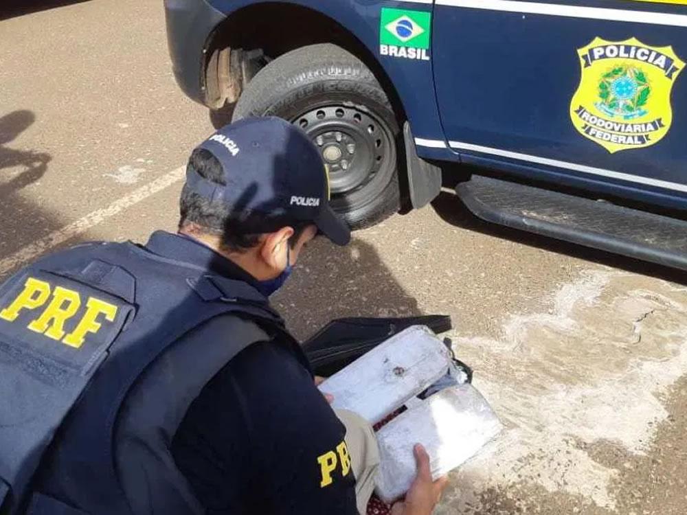 Imagem de Jovens presos transportando maconha na BR-060, em Rio Verde