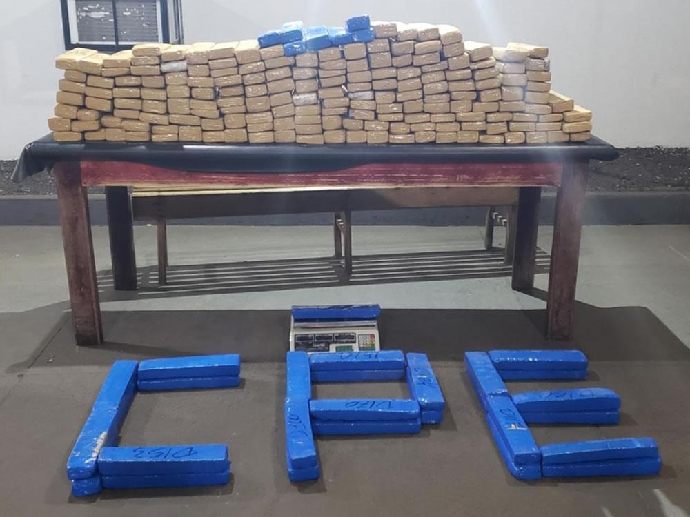 Imagem de Denúncia anônima leva a apreensão de 200 kg de maconha em Rio Verde