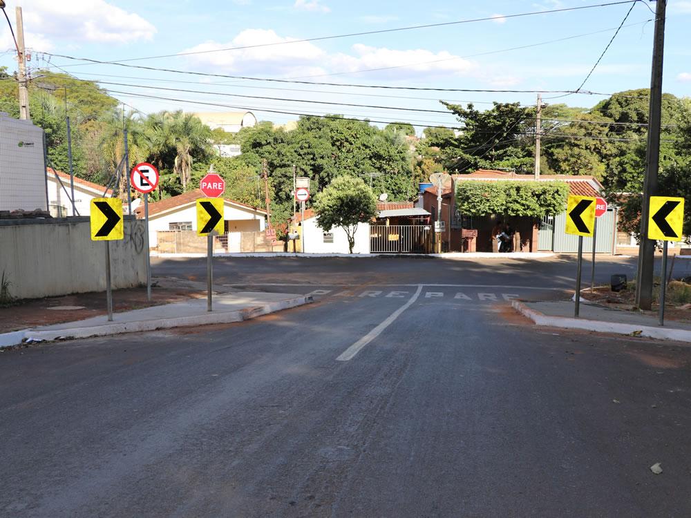 Imagem de Rua 13 recebe intervenção viária para redução de velocidade
