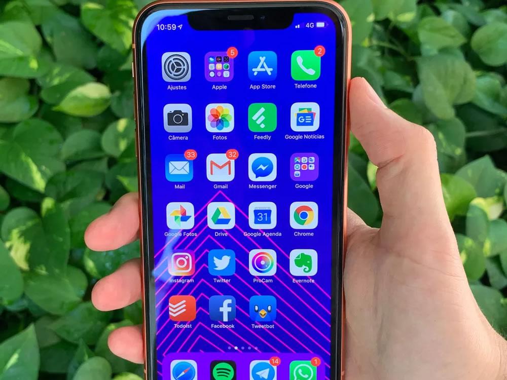 Imagem de Apple é acusada de exagerar na estimativa de duração da bateria do iPhone